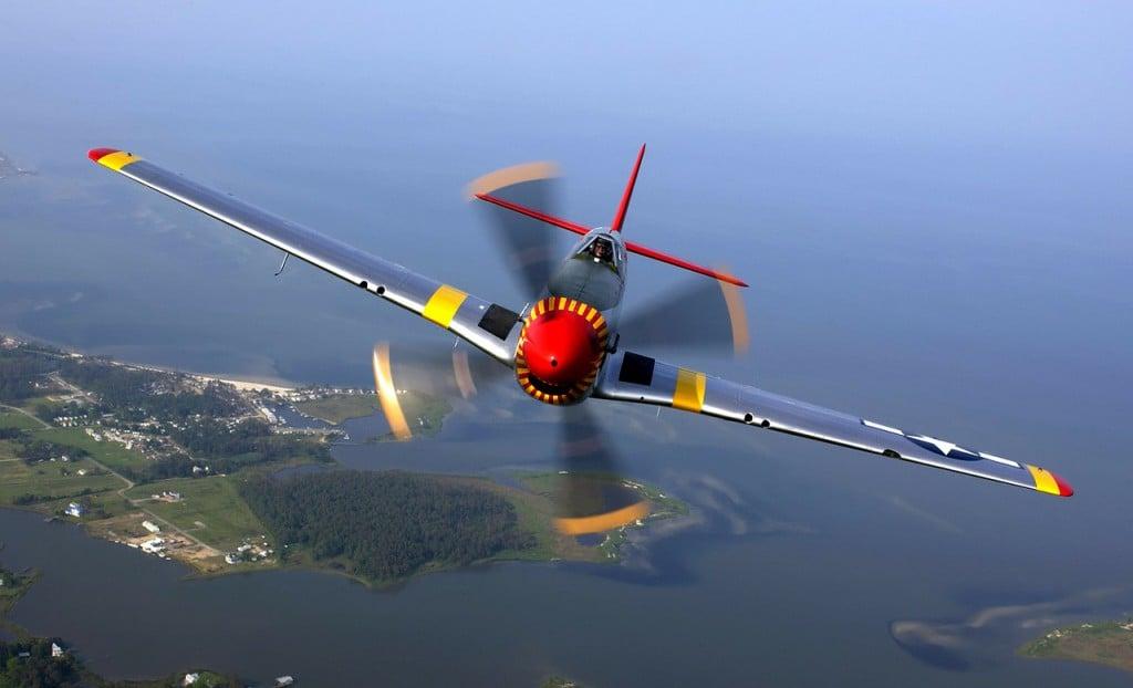 aircraft-67566_1280