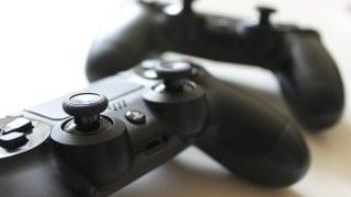 【海外情報】ソニー、4K対応の「プレイステーション4.5(PS4.5)」を開発中?