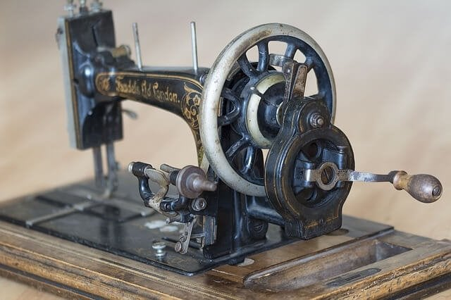 sewing-machine-1252376_640