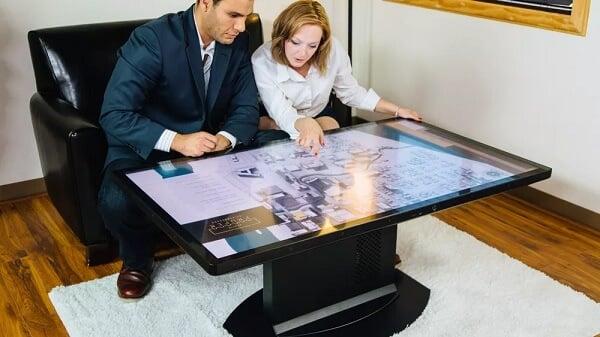 4K画質で65インチのテーブルがあったら何に使う?