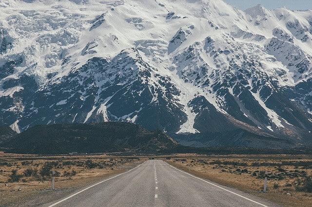 roadway-1082165_640