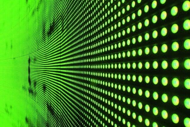 NIMSとシャープ、色域を拡大する緑色蛍光体を開発。現行テレビと同じバックライト技術で8Kテレビが実現する!