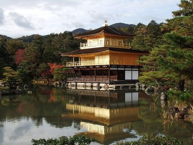 8Kで観たい!今年で30年を迎える毎日放送の音舞台。9月9日「金閣寺」を舞台に開催。