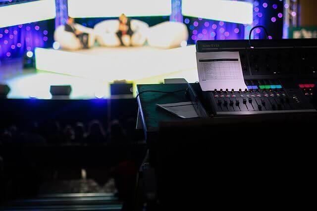 110度CS放送は、高画質化!5月11日に、HDTV 15番組に認定証を交付。